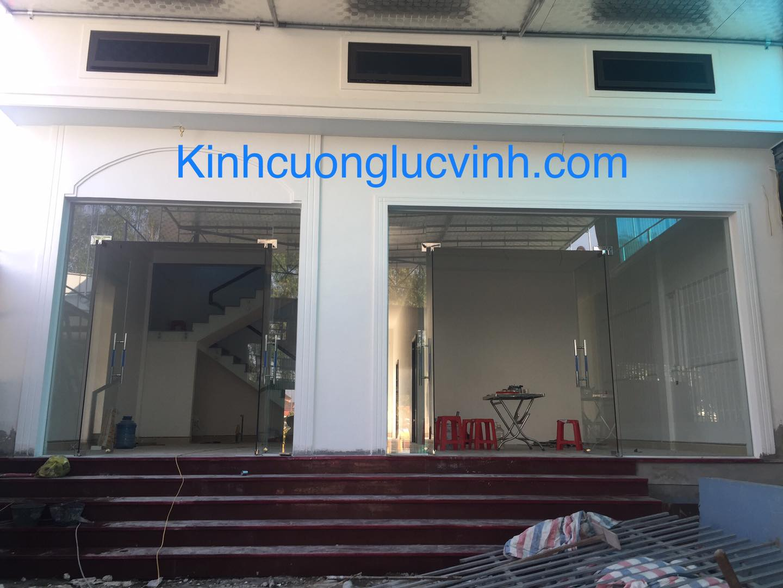 Lắp đặt cửa kính cường lực chất lượng tốt nhất chỉ có tại Nhất Việt